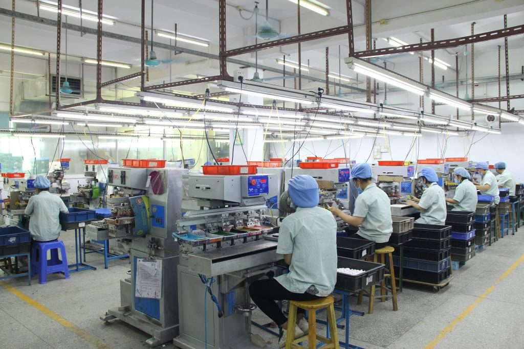 Our pad printing workshop has 65 sets of pad printing machines, 9 sets of heat transfer printing machines, 2 sets of automatic screen printing machines and 1 set of hot stamping machine.