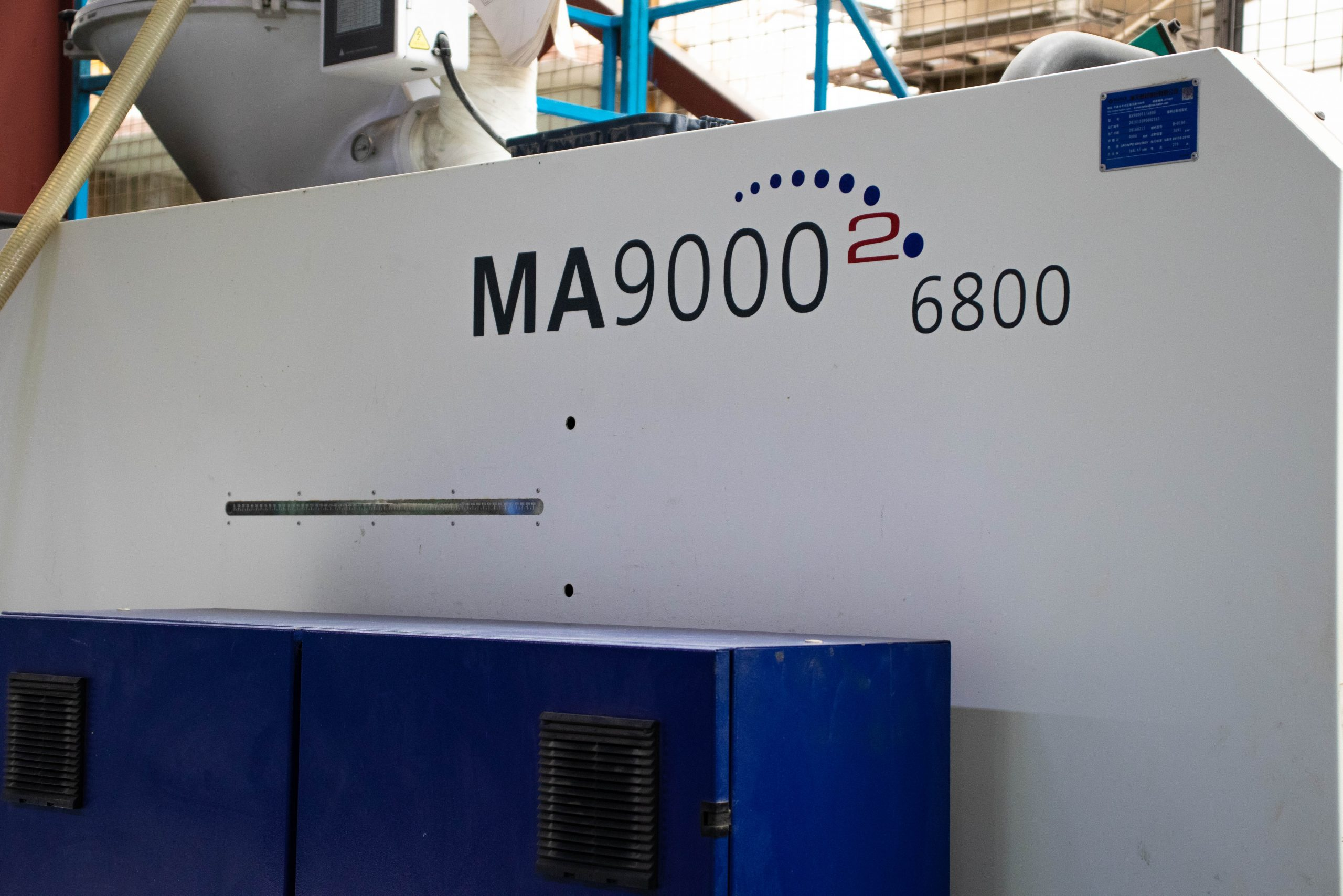 We have two 900T injection molding machine.