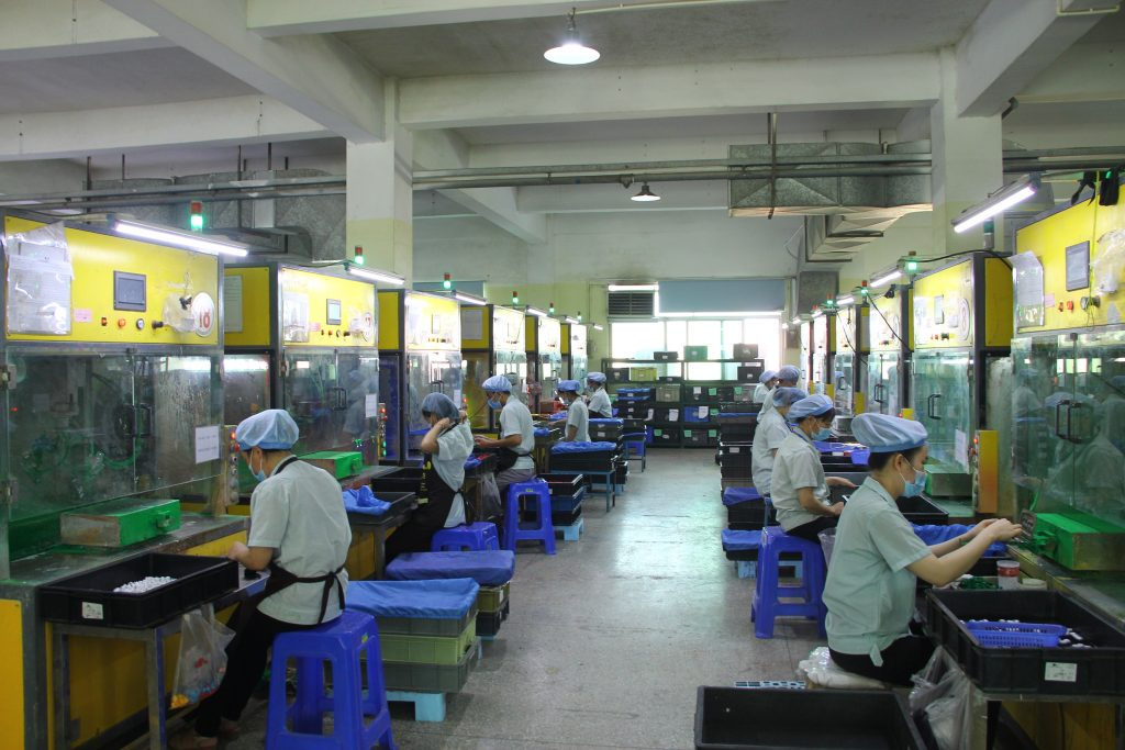 We have our own spraying workshop with 68 paint spraying positions, 29 automatic spraying machines, 2 sets of free hand spraying machines and paint drying line.