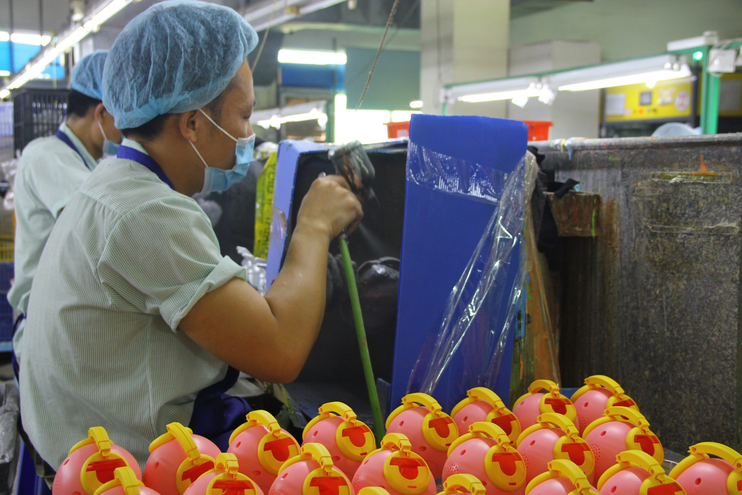 Spraying for toys and baby products manufacturing.
